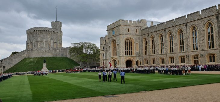 Bathampton Scouts Fly the Flag at Windsor Castle